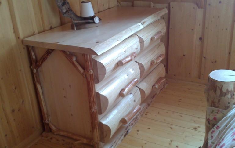 Zrubový nábytok